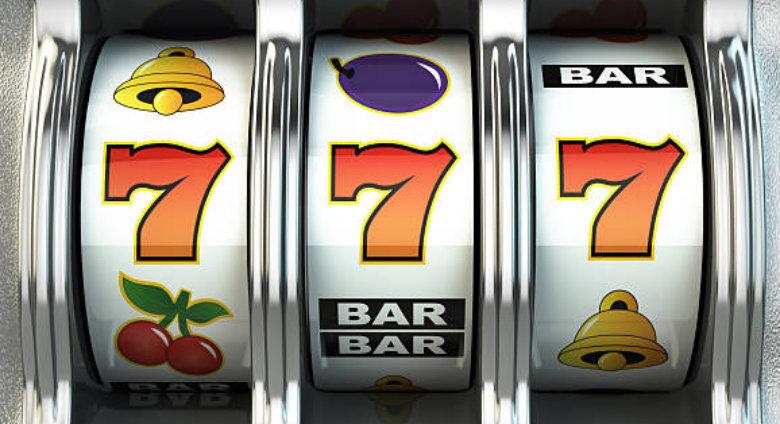 Sports Betting Versus Slots Machine